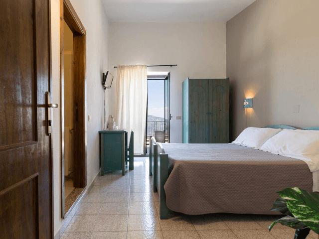 s enis monte maccione hotel oliena sardinia4all - sardinien (8).png