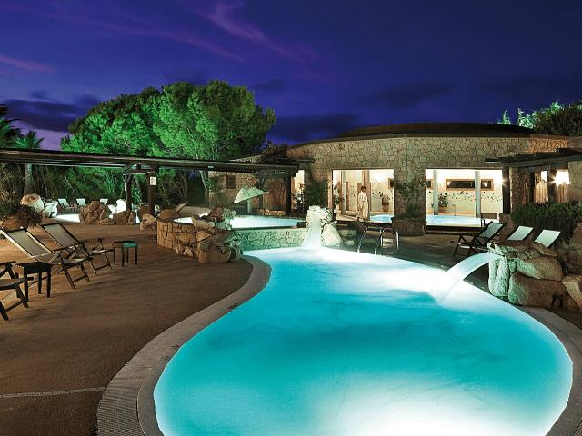 luxe-hotel-sardinie-marinedda (1).png