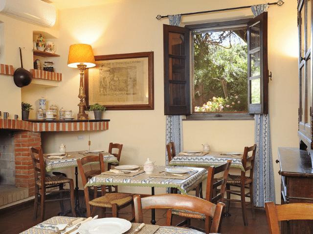 hotel lucrezia - riola sardo - sardinie (5).png