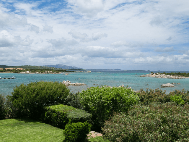 huis aan het strand op sardinie - beach villa golfo aranci - sardinia4all (19).png