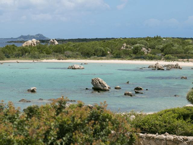 huis aan het strand op sardinie - beach villa golfo aranci - sardinia4all (18).png