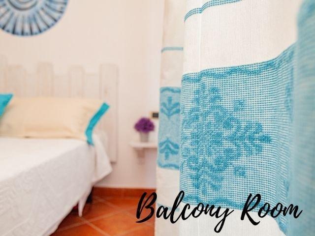 hotel la funtana santa teresa gallura - balcony room - sardinia4all (5).jpg