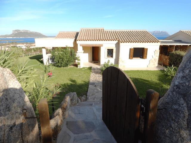 vakantiehuis met zwembad in golfo aranci - sardinie (27).png