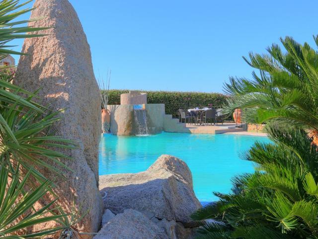 luxe vakantie villa cala granu in noord sardinie (4).png