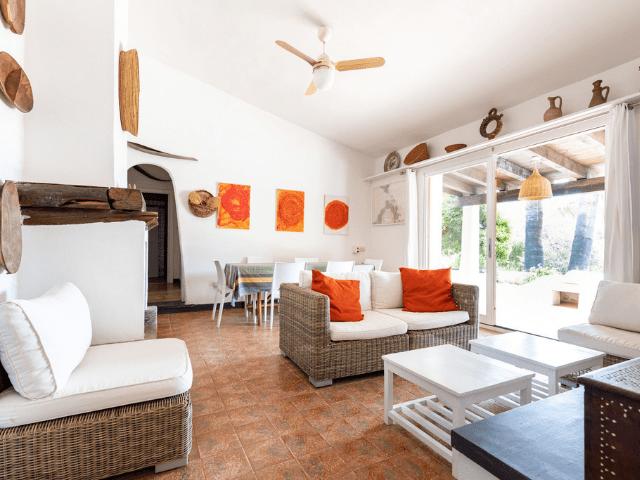 villa met zwembad in sardinie (19).png