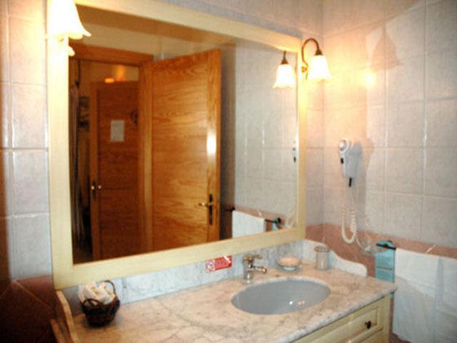 Badkamer - Hotel Sa Prenda - Villa San Pietro - Sardinie