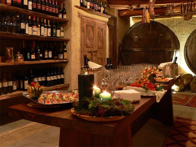 Wijnkelder - Tarthesh Hotel -  Guspini - Sardinië
