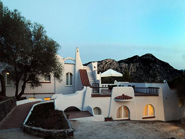 Aanzicht - Hotel Cedrino in Dorgali - Sardinië