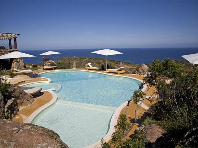 Het zwembad - Bajaloglia Resort- Castesardo