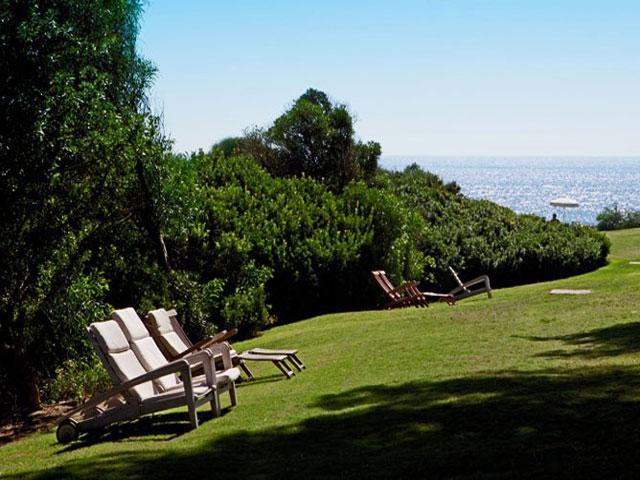 Verzorgde tuin van hotel Cala Caterina - Vakantie Sardinie