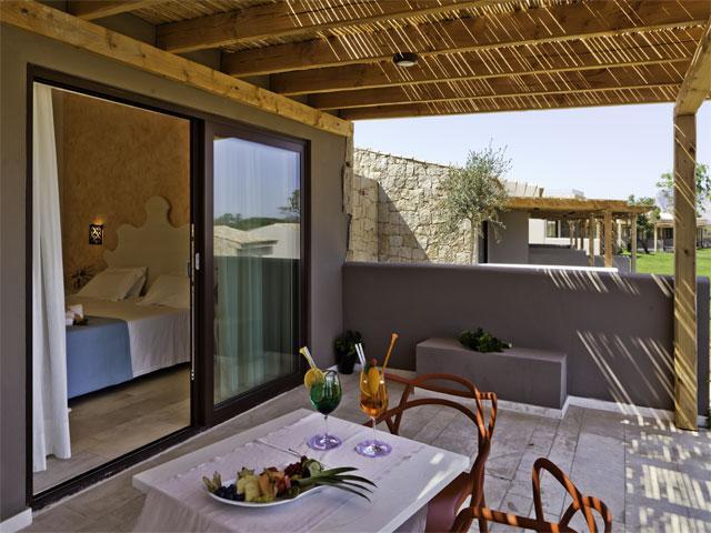 Alle kamers hebben een eigen terras - Paradise Resort Punta di L' Aldia