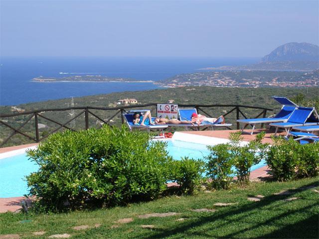 Rocce Sarde is rustig gelegen en met zwembad