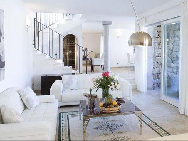 Villa in Villas Resort - Luxe vakantiehuizen met zwembad in Costa Rey - Sardinie (4)