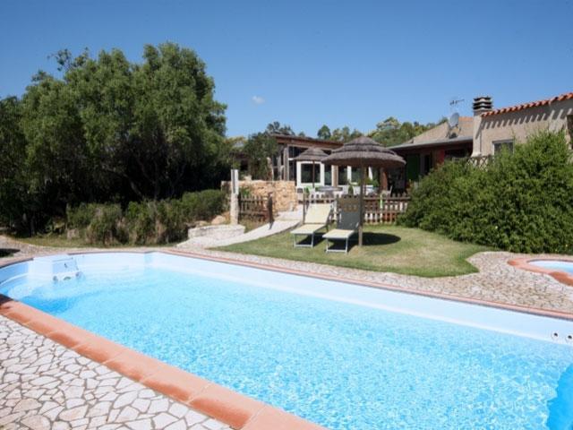 Vakantie park Salinedda heeft een zwembad - San Teodoro