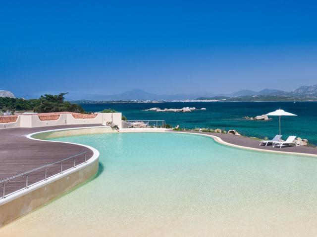 strandvakantie sardinie - hotel aan zee (3).jpg