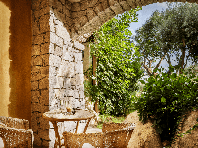 patio-classic-room-cruccuris