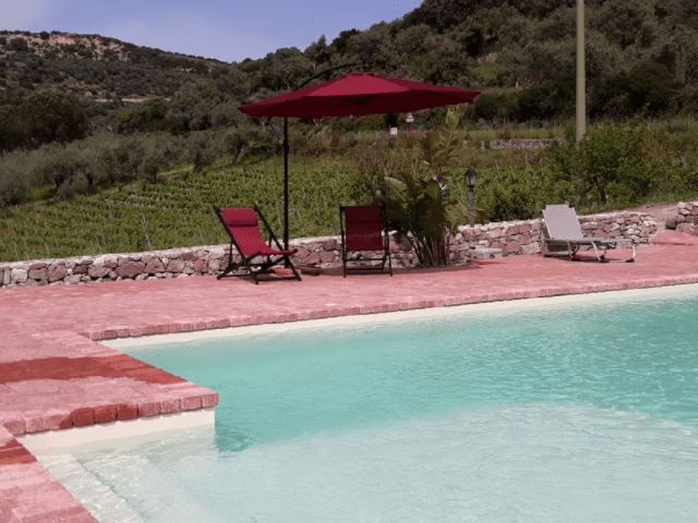 BB Sardinie met zwembad - Pessighette